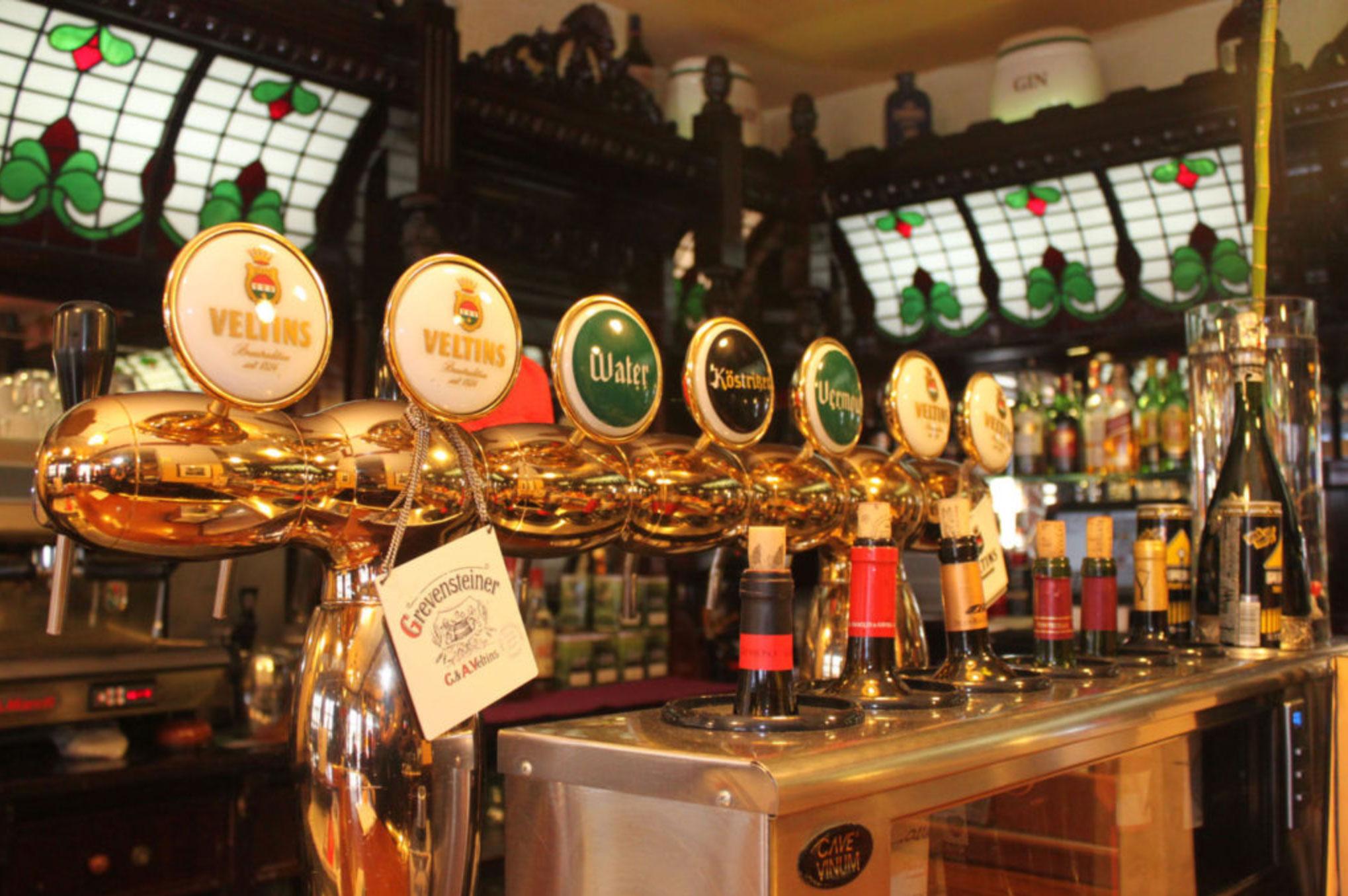 Grifo de cervezas artesanas en el restaurante El Galeón en Alcorcón