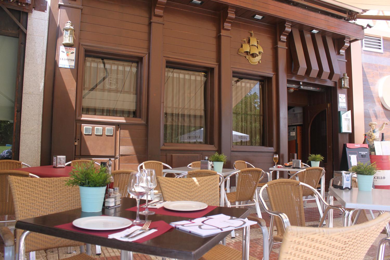 Terraza restaurante el Galeón en Móstoles